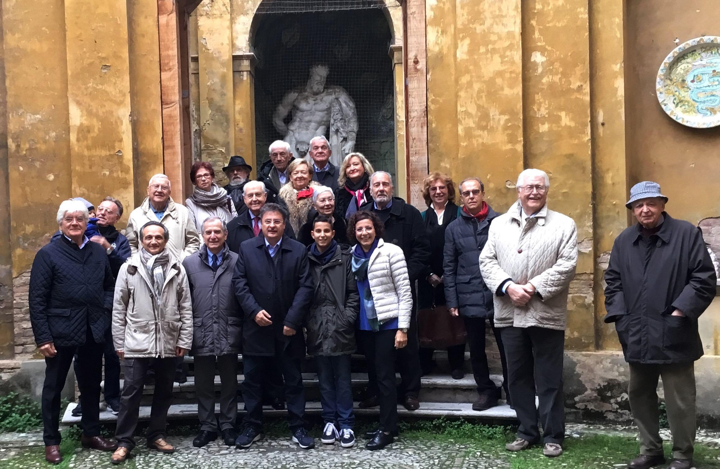 Visita all istituto d arte adolfo venturi lions club for Ercole farnese 2017